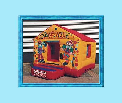 Ballenbad Voor de hele kleine kinderen onder ons is er een fantastische ballenbad met duizenden gekleurde balletjes.